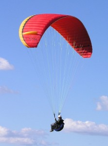 800px-Paragliding